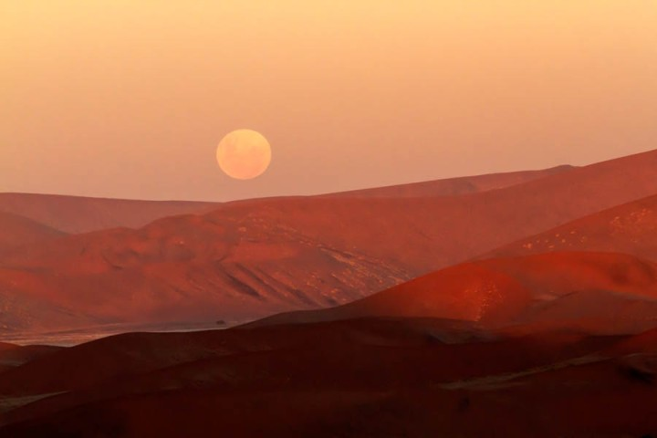 Moonrise over Sossusvlei